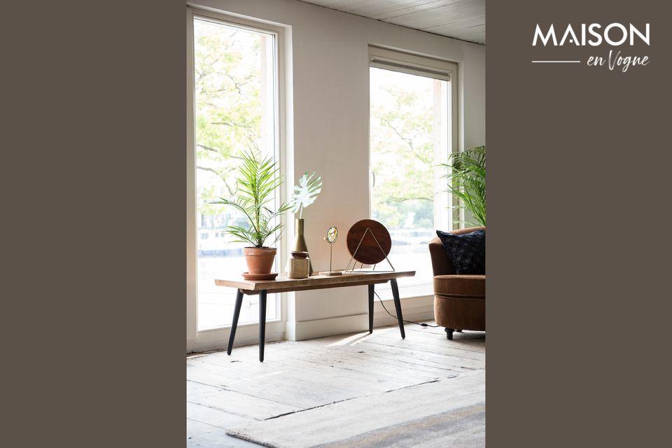 Der Sitz der Alagon-Bank der niederländischen Marke Dutchbone ist aus Nussbaumholz gefertigt