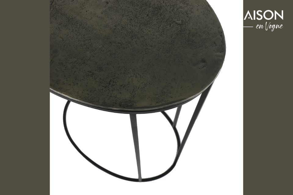 Ein skulpturaler Tisch