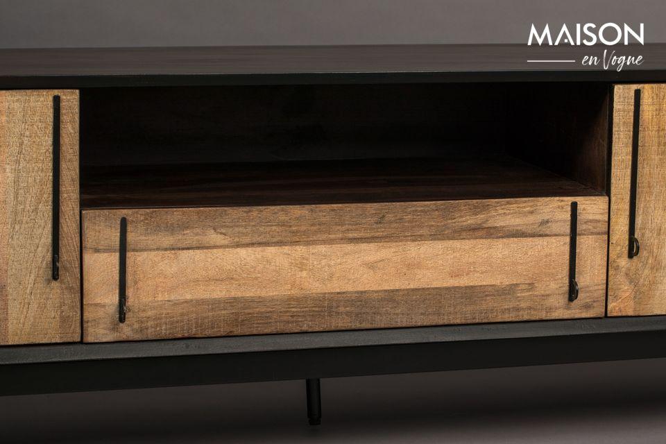 Auf der Vorderseite sorgt ein dezentes Furnier aus Mangoholz für Kontrast und zieht das Licht an