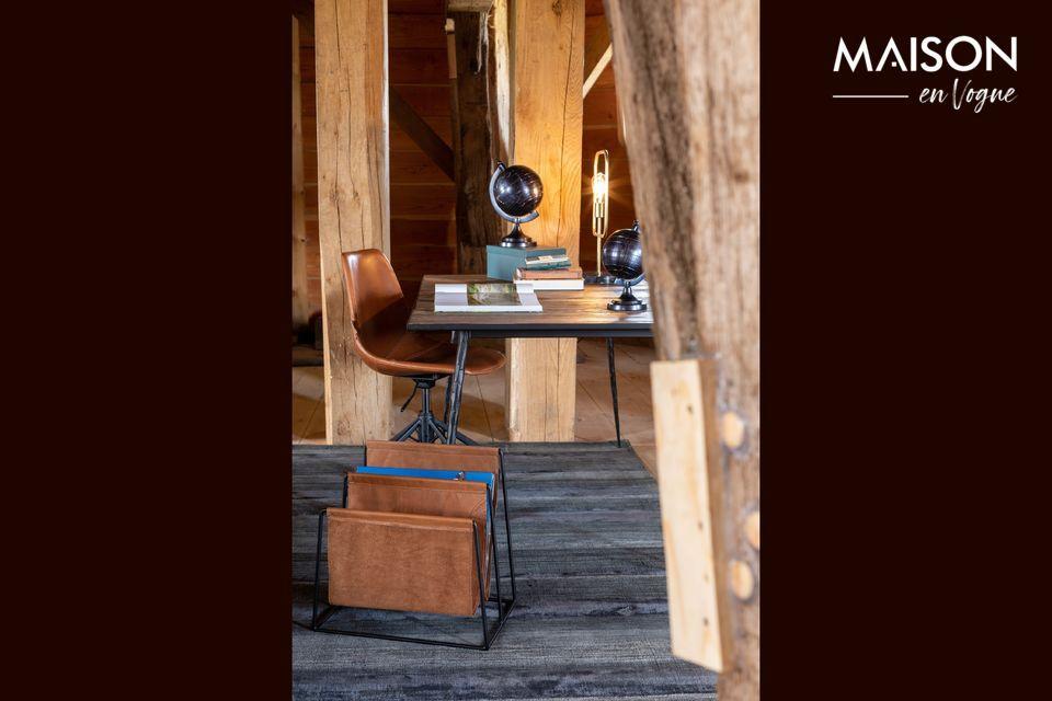 Dieser einfache und elegante Zeitschriftenständer passt in jedes Interieur