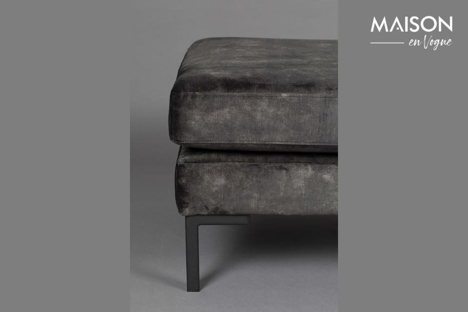Seine weiche und bequeme Sitzfläche macht dieses Modell zu einem Muss in Ihrem Wohn- oder