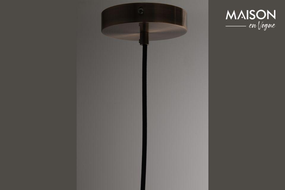 Stellen Sie mit dieser Aufhängung das Licht ins Zentrum Ihres Wohnzimmers