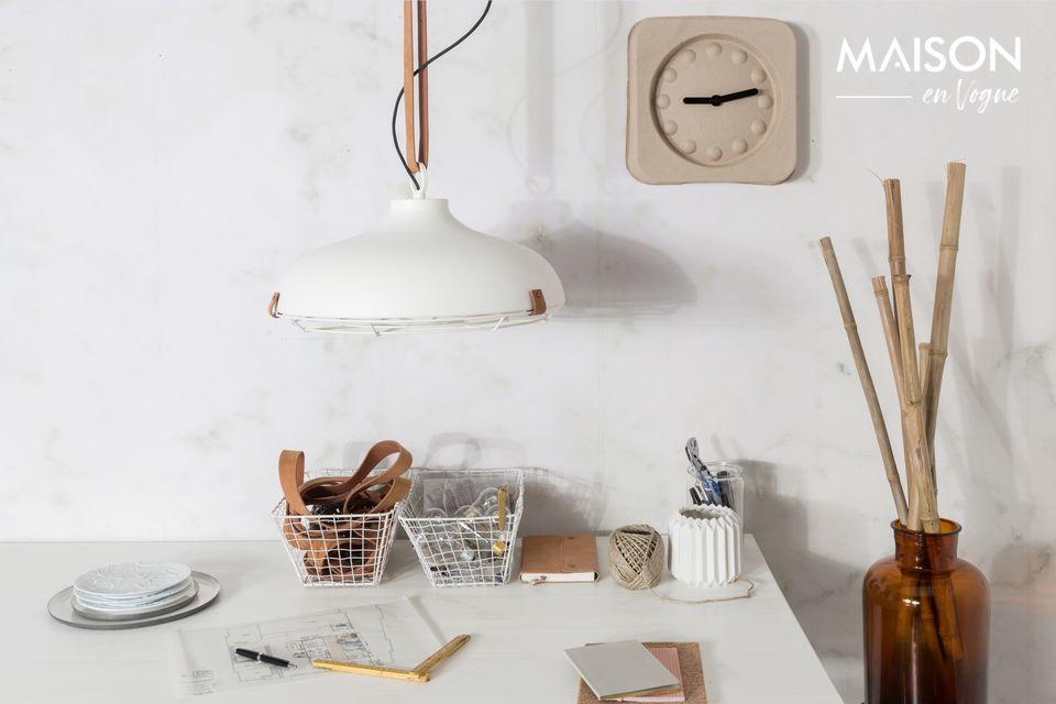 Dieses schlanke, skandinavische Design eignet sich perfekt für Küche, Esszimmer oder Schlafzimmer