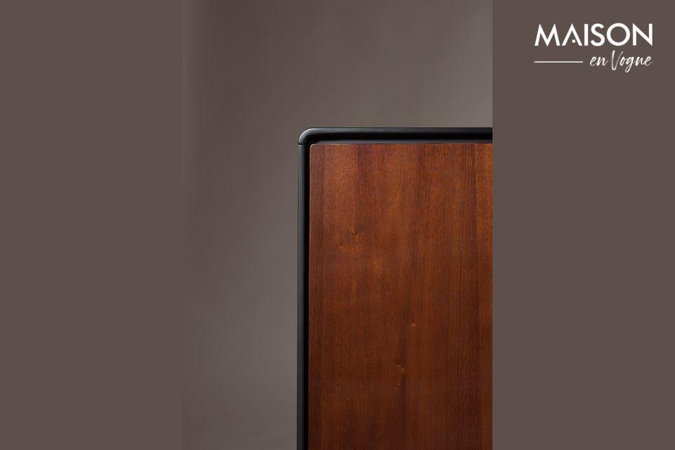 Die Abmessungen des Sideboards betragen 39 cm x 150 cm bei einer Höhe von 73 cm