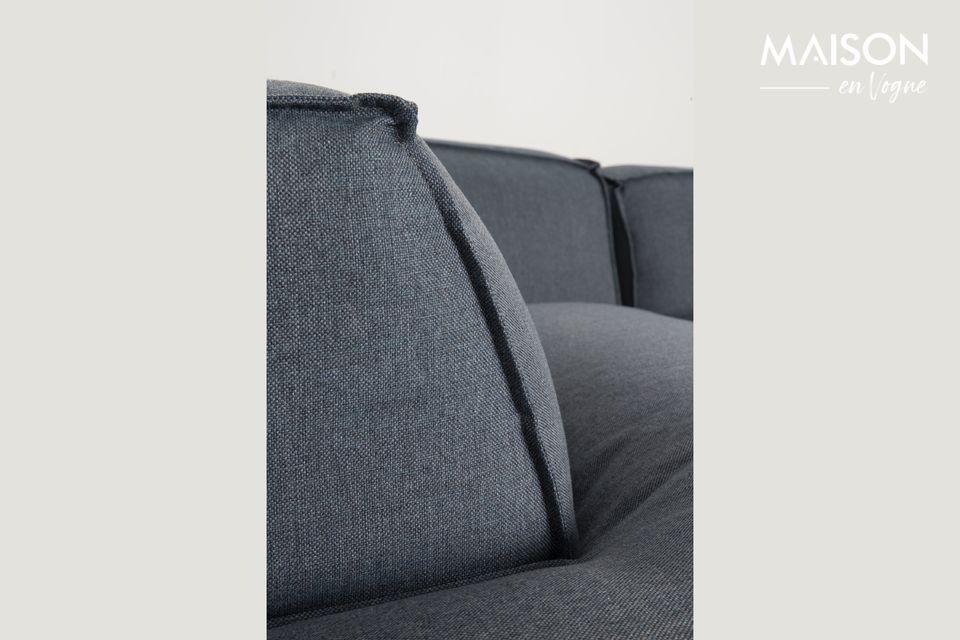 Das Sofa Fat Freddy bietet mit seiner dicken und weichen Polsterung einen unglaublich bequemen Sitz