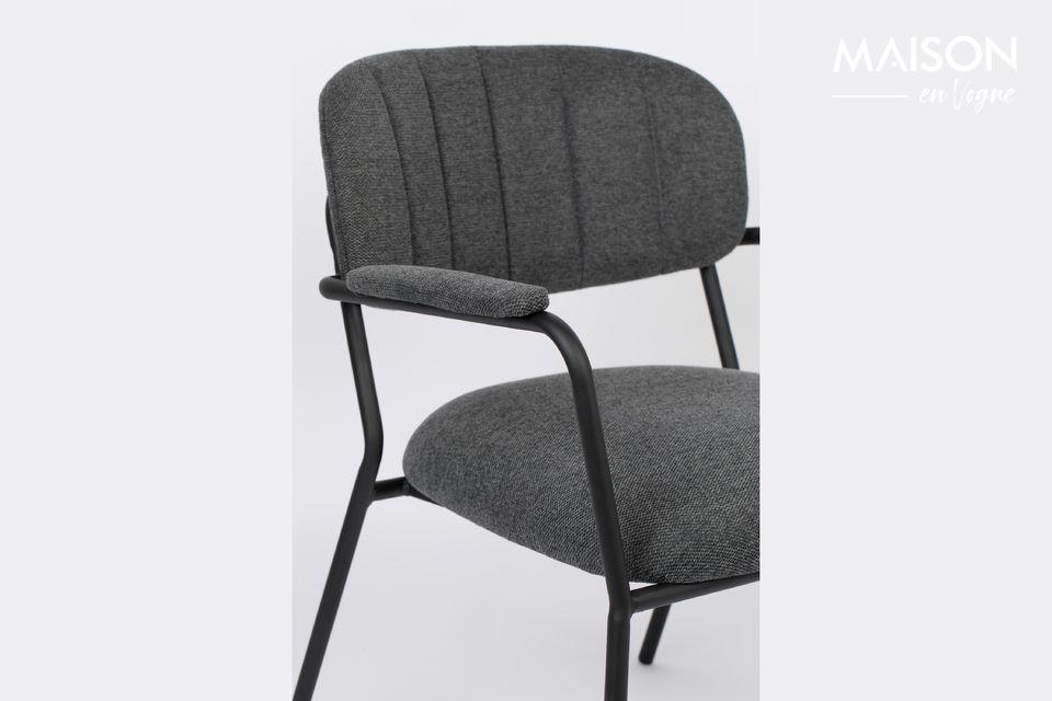 Der Jolien Loungesessel bringt Komfort und Eleganz in Ihr Wohnzimmer! Dieser niedrige Stuhl bietet
