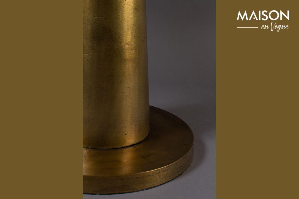 Dieser Beistelltisch aus Aluminium verleiht mit seiner 63 cm langen