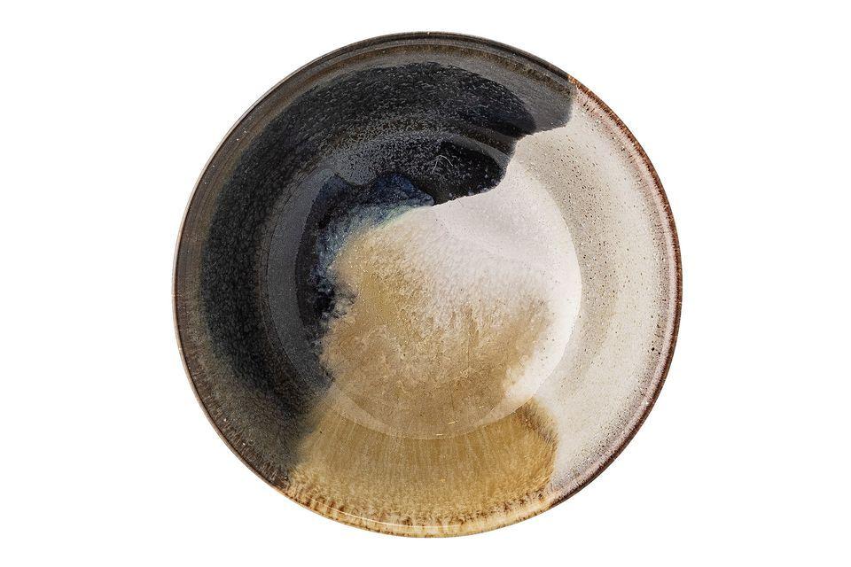 Die mehrfarbige Jules-Schale aus Steingut nimmt kontrastreiche Beige-, Braun- und Schwarztöne an