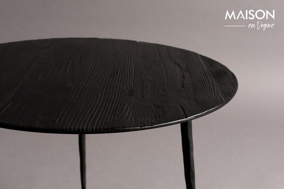Seine runde Platte aus lackiertem Stahl hat ein feines Kiefern- oder Eichenfurnier