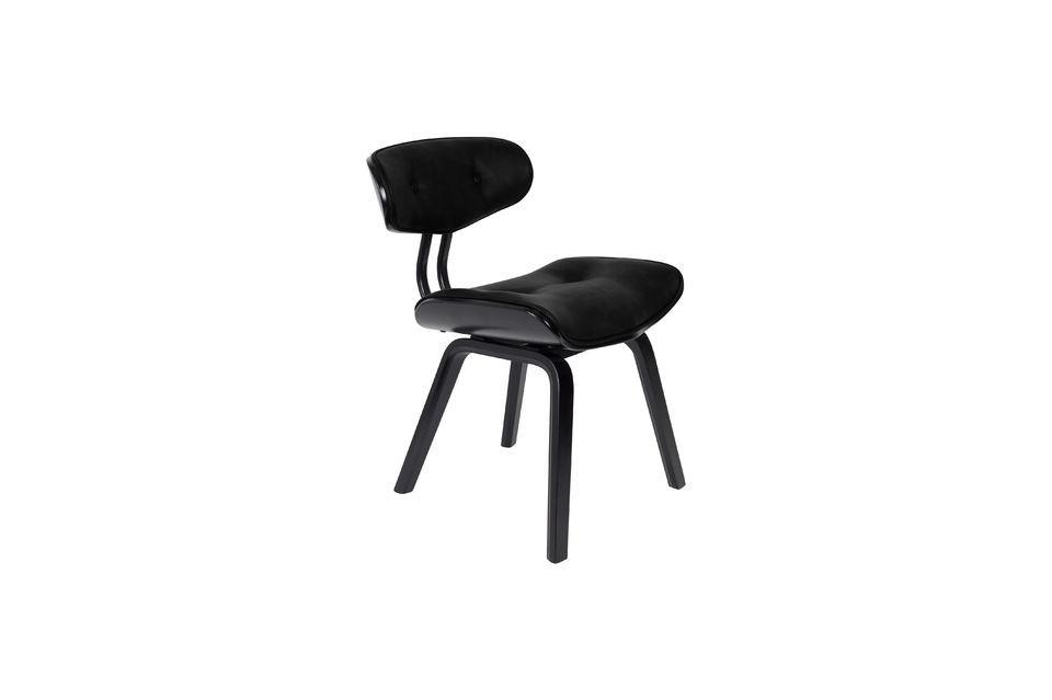 Dieser wunderschön gefertigte Stuhl ist auch sehr bequem