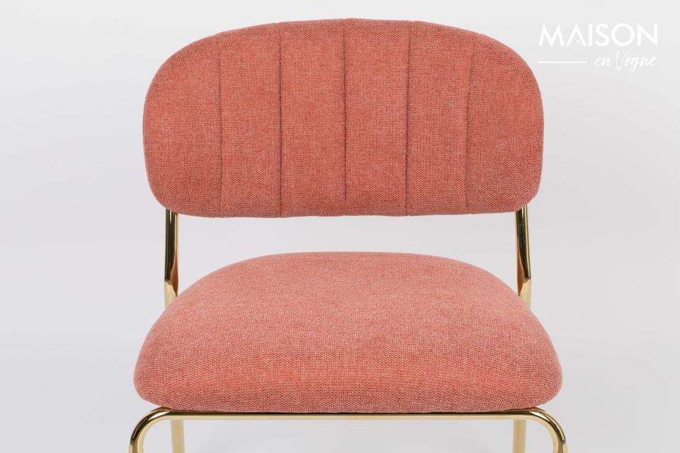 White Label Living bietet einen eleganten rosa Sessel mit goldenen Beinen für einen