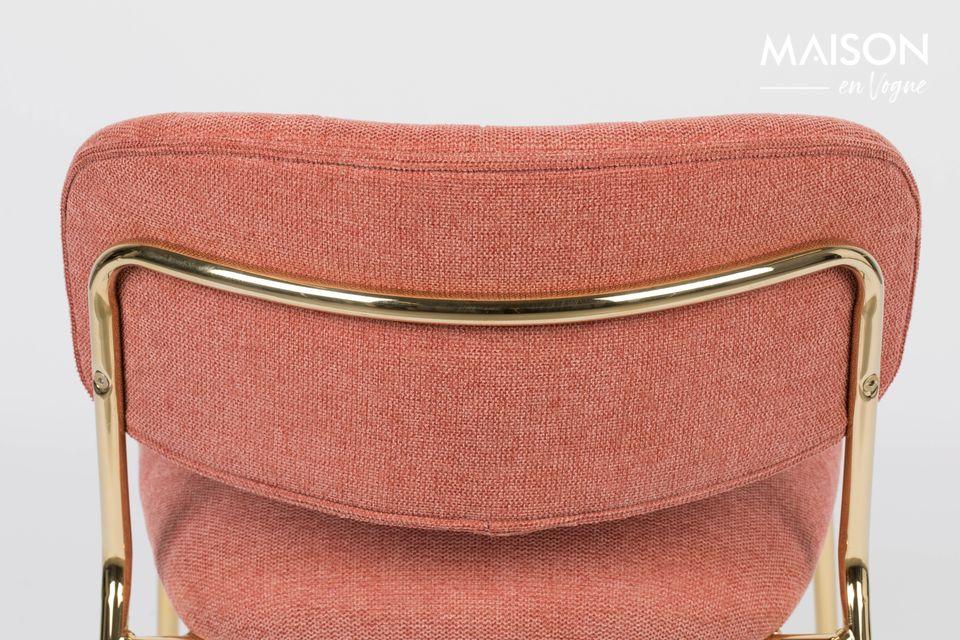 Dieser schöne Sessel ist aus Polyester (95%) und Nylon (5%) hergestellt