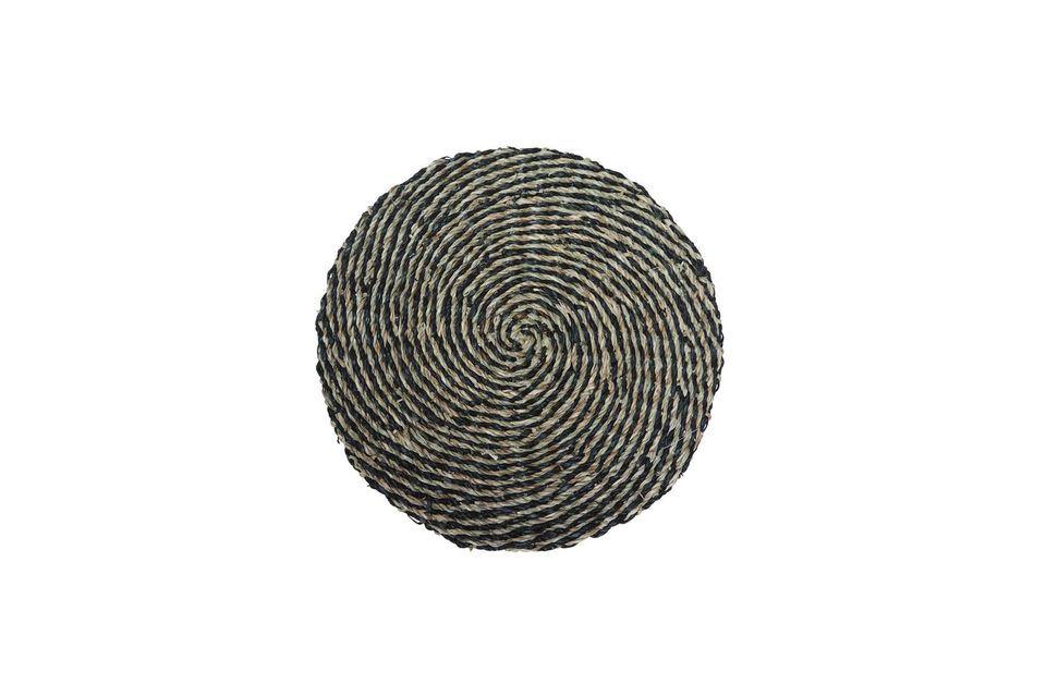 Das in natürlichem Meeresrauschen entworfene Laveyron-Platzdeckchen bildet eine elegante Spirale