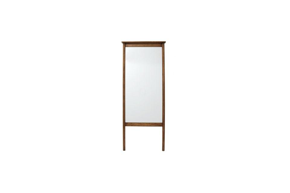 Der Wasia Standspiegel von der dänischen Marke Nordal ist authentisch und natürlich
