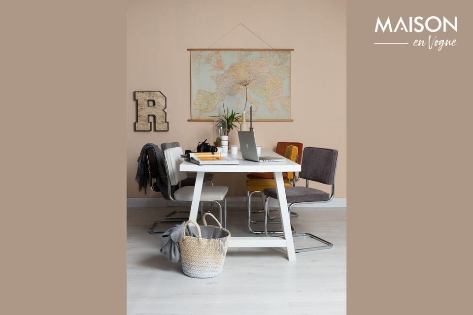 Ein sehr bequemer Design-Stuhl von Zuiver