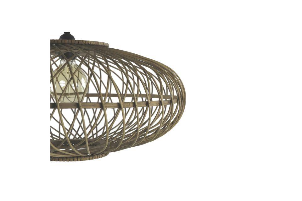 Entscheiden Sie sich für das Natürliche mit diesem vollständig aus Bambus gefertigten Kronleuchter.