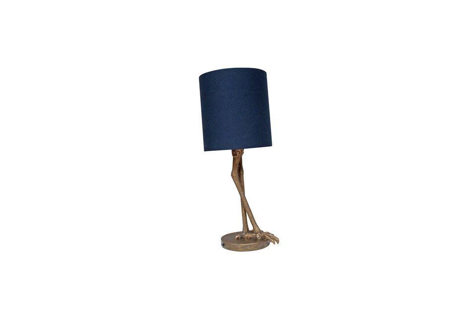 Die Tischleuchte Anda bietet einen sehr klassischen und vielseitigen dunkelblauen zylindrischen
