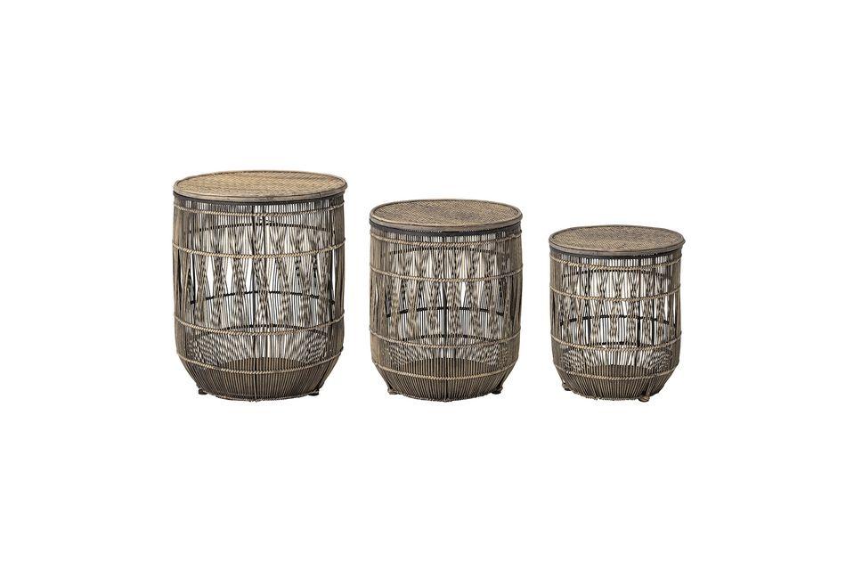 Dieses Set aus drei Beistelltischen aus Bambus und Rattan verleiht Ihrer Einrichtung einen